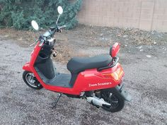 Zoom Electric Scooters: First Impressions (A Great Electric Moped / Scooter) Electric Moped Scooter, Gas Scooter, Small Electric Cars, Pontiac Fiero, Nissan Leaf, Stopping Power, Motorcycle License, High Beam, Car Wheels