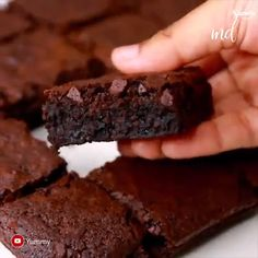 Fudgy and delicious Eggless Brownies. These brownies have an intense chocolate flavor and are perfect with a glass of milk or scoop of vanilla ice cream! Baking Recipes, Cookie Recipes, Dessert Recipes, Homemade Brownie Recipes, Quick Brownie Recipe, Brownie Mix Recipes, Easy Desserts, Delicious Desserts, Yummy Food