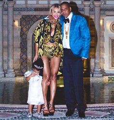 Beyonce Celebrates New Year's Eve With Jay Z, Blue Ivy, And More: See the Glamorous Pictures! CELEBRITY NEWS JANUARY 15, 2014 AT 4:50PM BY RACHEL MCRADY