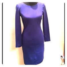 NWT Banana Republic Body Con Blue Dress NWT Banana Republic Body Con Blue Dress. Deep back with sassy gold zipper. Add a blazer and it's great for the office. Size 2 shown on size 6 mannequin. Banana Republic Dresses Long Sleeve