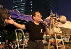 Movimento Guarda-Chuva espontâneo é nova norma em Hong Kong   #AlbertHo, #DesobediênciaCivil, #HongKong, #LeungChunying, #MovimentoGuardaChuva, #MovimentoPródemocracia, #Nãoviolência, #Ocupação, #OcuparCentral