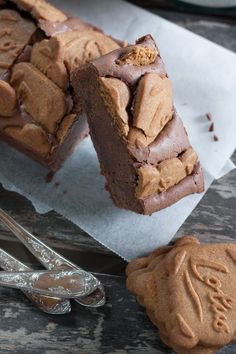 Brownie with chocolate and speculoos Delicious Desserts, Dessert Recipes, Yummy Food, Brownie Recipes, Coco, Love Food, Sweet Recipes, Mousse, Cupcake Cakes