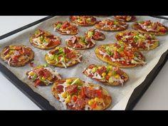5 DAKİKADA HAZIRLAYIN🔝ÇAYINIZ DEMLENİRKEN PİŞİRİN😉 NEFİS PATATES PİZZACIKLARI 😋 - KAHVALTILIK - YouTube Low Calorie Pizza, Calories Pizza, Healthy Pizza Recipes, Healthy Snacks, Cooking Recipes, Turkish Recipes, Ethnic Recipes, Diet Pizza, Tzatziki Recipes