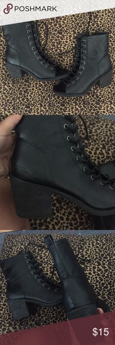 Laced Up Booties Laced Up Booties. Thick Heel. Small Scratches on both heels & on the back of the right shoe. Worn A Few Times. Still in GOOD condition. Size 8 🚫NO Trades🚫 Forever 21 Shoes Lace Up Boots