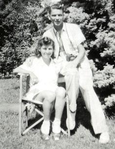 dedicated to the greatest vocalist of all time. Young Frank Sinatra, David Niven, Nancy Sinatra, Old Hollywood Stars, Humphrey Bogart, Lauren Bacall, Dean Martin, Judy Garland, Mug Shots