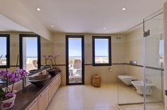 Apartment sale in Marbella, Costa del Sol 895.000€. Reference: APH1138-OM http://www.one-marbella.com/en/listing/spain/costa-del-sol/marbella/apartment/40363/