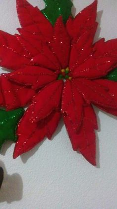 Christmas Sewing, Christmas Paper, Felt Crafts, Christmas Crafts, Handmade Christmas Decorations, Holiday Decor, Poinsettia Flower, Christmas Templates, Flower Template