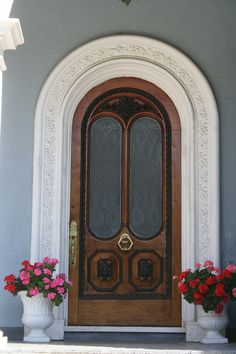 Front door in Charleston - if this is the front door, I'd love to see the inside of this house!