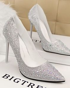 I will strive to get these *^* Bridal Shoes, Wedding Shoes, Dress Shoes, Shoes Heels, Evening Shoes, Pointed Toe Pumps, Gorgeous Women, Gorgeous Lady, Slippers