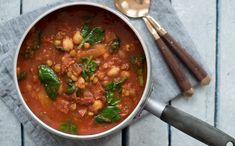 Chorizo og kikertgryte - Kvardagsmat Chorizo Sausage, Curry, Ethnic Recipes, Food, Spinach, Curries, Essen, Meals, Yemek