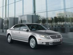 VW Phaeton, a W12 cylinder engine that could be driven all day at 300km/h.