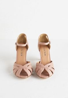 Tout de Sweet Heel in Dusty Rose. Set the pace for swoon-worthy style in these ballet-slipper-pink pumps by Chelsea Crew. #pink #modcloth