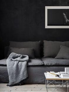 Moody Scandinavian vibes | dark grey linen sofa | minimalist living room | Design: interior stylist Pella Hedeby photo: Sara Medina Lind | IKEA Söderhamn sofa with a Bemz Loose Fit Urban cover in Medium Grey Rosendal linen