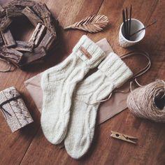 This Pin was discovered by Sve Crochet Leg Warmers, Knit Crochet, Crochet Hats, Knitting Socks, Hand Knitting, Knitting Patterns, Granny Square Sweater, Woolen Socks, Cozy Socks
