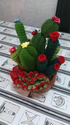 Centro de mesa cactus crochet