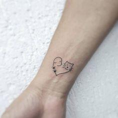 Made by Tatuadora / Tattoo Artist: @ anatattoo_kanopu.studio There are several I - Made by Tatuadora / Tattoo Artist: @ anatattoo_kanopu. Mini Tattoos, Line Art Tattoos, Little Tattoos, Sexy Tattoos, Body Art Tattoos, Small Tattoos, Tattoos For Women, Tattoos For Guys, Tattos