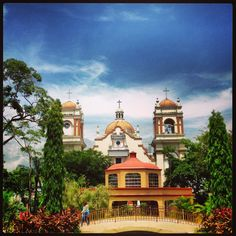 Parque Central, Catedral San Pedro Sula, Notre Dame, Mansions, House Styles, Building, Travel, Home, Decor, Parks