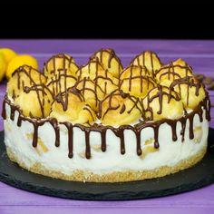 Tort Ecler- cel mai delicat și delicios tort cu eclere, merită neapărat să-l pui în topul dulciurilor preferate! - savuros.info Romanian Desserts, Romanian Food, Bbq Party, I Love Food, Baked Goods, Tiramisu, Food Photography, Sweet Treats, Cheesecake