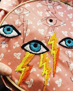 This but as David Bowie eye with Ziggy Stardust zig-zag Diy Embroidery, Cross Stitch Embroidery, Embroidery Patterns, Cross Stitch Patterns, Diy Broderie, Cross Stitching, Textile Art, Needlepoint, Needlework