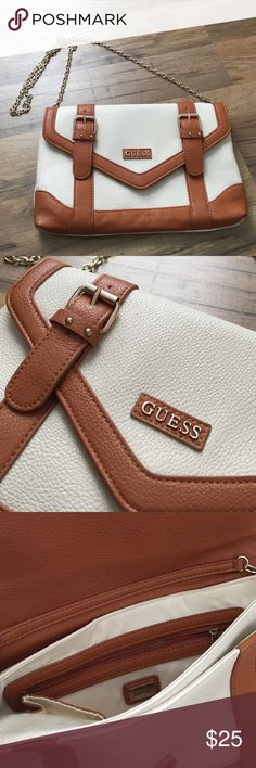 Guess clutch 😍 New arrival . 💗 Guess Bags Crossbody Bags