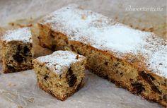 La torta cioccolato noci e nocciole è un dolce secco ideale per il periodo invernale/natalizio. Ricca di frutta secca quali noci e nocciole, la torta ciocc