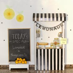 ... ♥ Nina Designs + Parties: LEMONADE PARTY!!