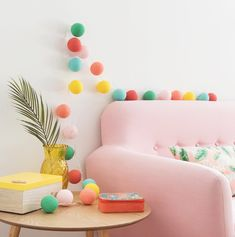 """La special collection """"Sweet Tropical"""" di Maisons du Monde è una collezione irriverente, coloratissima e dai toni che ricordano le calde giornate d'estate che tanto amiamo 😍😍 Scoprite di più nel nostro ultimo articolo 👇👇😀 #splitmind #splitmindblog #design #trend #colors"""