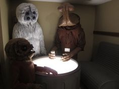 Star Wars cantina booth with Hammerhead Muftak and Kabe lifesized statues