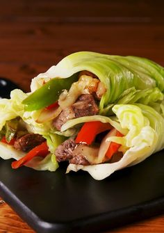 Best Philly Cheesesteak Cabbage Wraps Recipe – How To Make Philly Cheesesteak Ca… Beste Philly Cheesesteak Kohl Wraps Rezept – Wie Philly Cheesesteak Kohl Wraps machen Cabbage Wraps, Cabbage Rolls, Cabbage Leaves, Roasted Cabbage, Fried Cabbage, Wrap Recipes, Keto Recipes, Healthy Recipes, Recipes