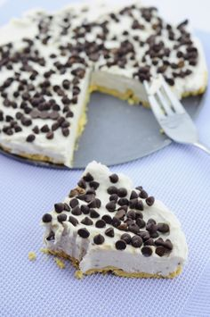 Vegan Coconut Banana Cheesecake - Fastest and Easiest 6 ingredient Cheesecake. Banana, Coconut cream & Chocolate chips w/ peanut crust. No Dates or cashews!