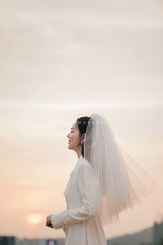 Pre Wedding Poses, Wedding Picture Poses, Pre Wedding Photoshoot, Order Of Wedding Ceremony, Wedding Bride, Dream Wedding, Korean Wedding Photography, Wedding Photography Inspiration, Evening Dresses For Weddings