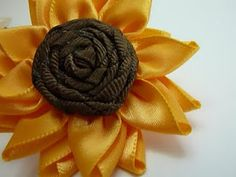 Paper Pleats and Ribbon Roses: Multi-Petalled Ribbon Flower - Sunflower