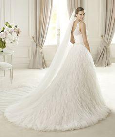 Pronovias te presenta el vestido de novia Uldar. Dreams 2013. | Pronovias