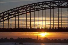 © Ger Loeffen First Walkers, Amazing Sunsets, Sydney Harbour Bridge, Holland, Bing Images, Travel, Sunrises, Bridges, Running