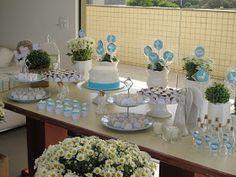 Mais um batizado realizado com muito carinho!!! Um almoço só para a família (15 pessoas) mereceu esta linda produção...Centros de mesa rúst...