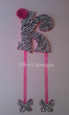 Bow holder! cute for my daughter one day!