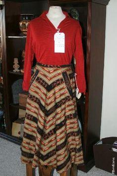 Chocolat (2000) costumes wardrobe Juliette Binoche (Vianne) Screenworn Skirt   Blouse