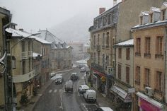 Discover the world through photos. Pyrenees, Toulouse, Community, World, Places, Rain, France Area, Rain Fall, The World