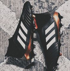 Simple Steps To Help You Better Understand Football. If you are a big fan of football and would enjoy learning more about this sport, this article was written for you. Adidas Football, Football Shoes, Football Cleats, Nike Soccer, Adidas Nmd, Adidas Cleats, Cleats Shoes, Soccer Skills, Soccer Tips