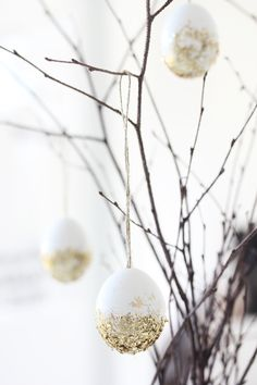Beautiful decoration for easter or christmas ... simply and beautiful either way :-)