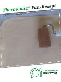 Pizzateig (ohne Gehenlassen) von Steffjam. Ein Thermomix ® Rezept aus der Kategorie Grundrezepte auf www.rezeptwelt.de, der Thermomix ® Community.