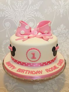 Minnie Mouse theme 1st birthday cake by Queen of Cakes