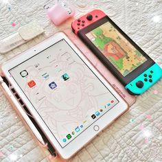 Love this AirPods, iPad & Nintendo Switch setup Photos Folles, Nintendo Switch Accessories, Otaku Room, Gaming Room Setup, Kawaii Room, Game Room Design, Gamer Room, Cute Games, Airpod Case