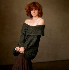 Goth Hippie, Devon Bostick, Book 15 Anos, 80s Outfit, Edgy Hair, Calendar Girls, Farrah Fawcett, Celebrity Beauty, Celebs