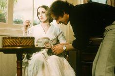 Isabelle Adjani and Director Werner Herzog on the set of Nosferatu the Vampyre. Isabelle Adjani, Nosferatu The Vampyre, Beauty Tips Easy, Vampire Bride, Werner Herzog, Billy Wilder, Film Aesthetic, Horror Films, Film Director