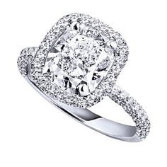 Star Bright    This solitaire diamond ring set in white gold makes a stunning statement.    By De Beers