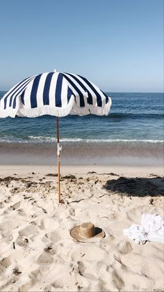Beach Tent, Beach Umbrella, Beach Aesthetic, Aesthetic Images, Aluminum Hinges, Expansion, Reclaimed Timber, Wood Laminate, Beach Babe