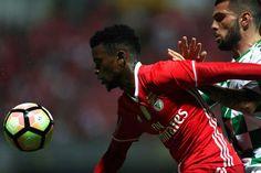 O Benfica venceu o Moreirense, com um golo de Mitroglou, em jogo da 28.ª jornada da Liga.