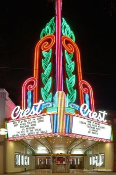 Crest Theater neon sign in Sacramento, California. I'm so lucky to have a place this amazing practically in my back yard. Vintage Neon Signs, Art Deco, Neon Nights, Old Signs, Googie, Northern California, Sacramento California, Neon Lighting, Vintage Movies
