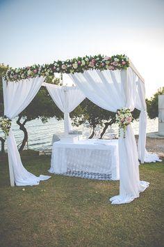 Grey & white chic γαμος στη Χαλκιδα | Ματα & Κωστας See more on Love4Weddings http://www.love4weddings.gr/grey-white-chic-wedding/ Photo by Studio Phosart http://photographergreece.com/en